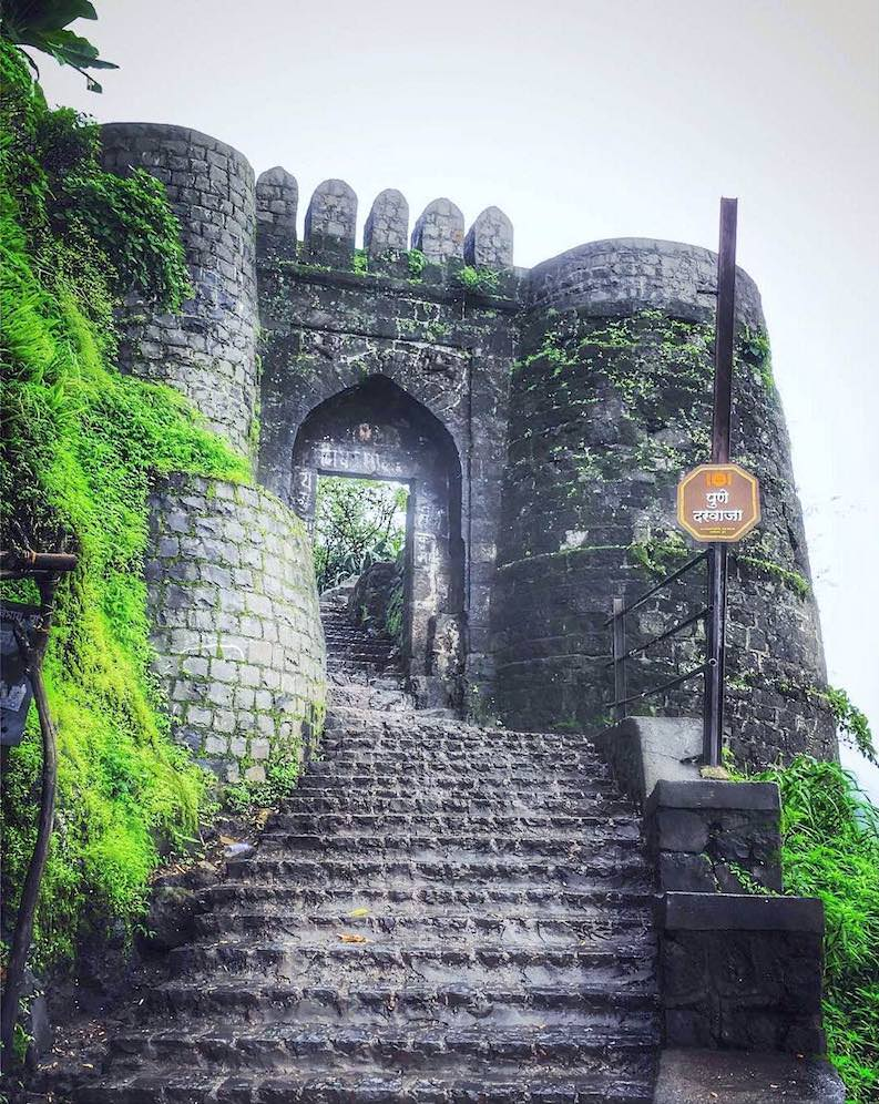 Car rental in Pune to Sinhgad